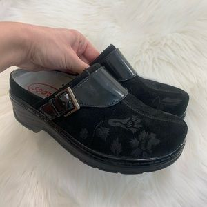 Klogs black Austin open-back clogs size 10